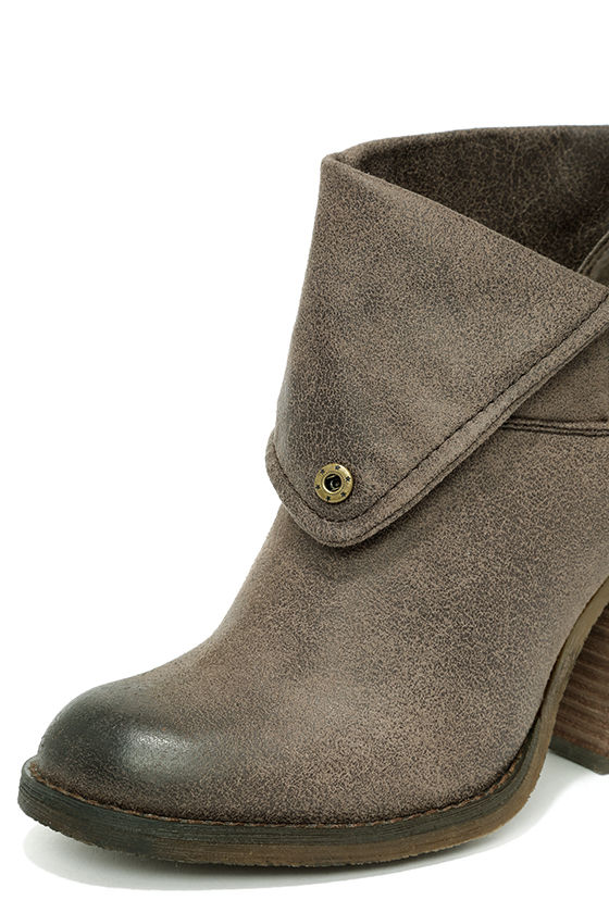 Sbicca Chord Taupe Fold-Over Boots 6