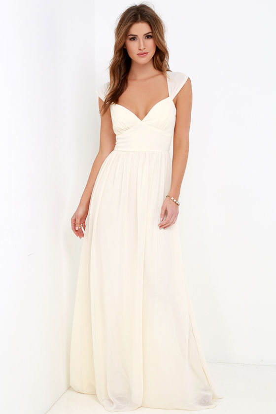 You've reached the pinnacle of high society when you have an occasion to wear the Lulus Zenith Cream Lace Maxi Dress! A darted, scalloped bodice rises to form a high neckline with adjustable straps that crisscross at back. Grosgrain ribbon sash tops a flaring mermaid maxi skirt. Hidden back zipper /5().