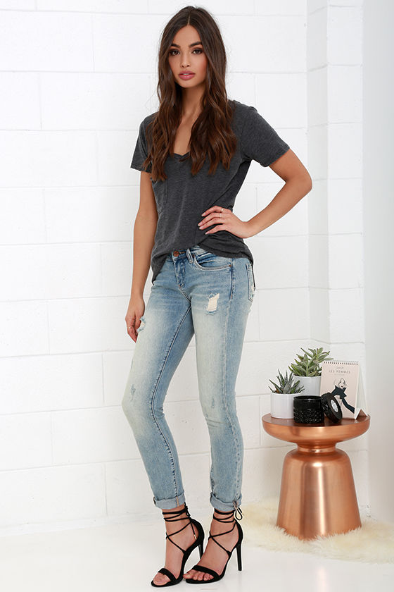 b4b3c274960 Blank NYC Skinny Classique - Light Wash Jeans - Distressed Jeans ...