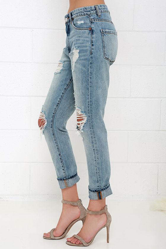Blank NYC Thrifter Light Wash Distressed Boyfriend Jeans 4