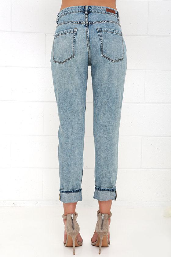 Blank NYC Thrifter Light Wash Distressed Boyfriend Jeans 5