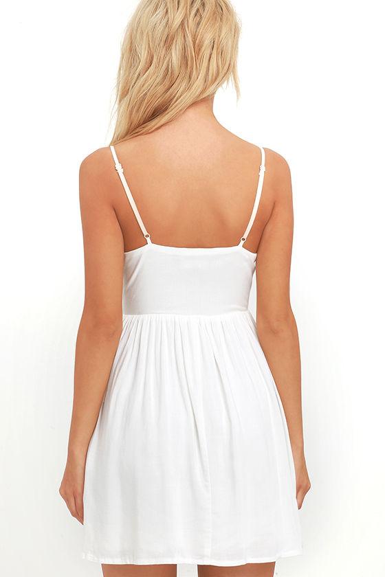 Daisy Petal Pickin' Ivory Embroidered Dress 4