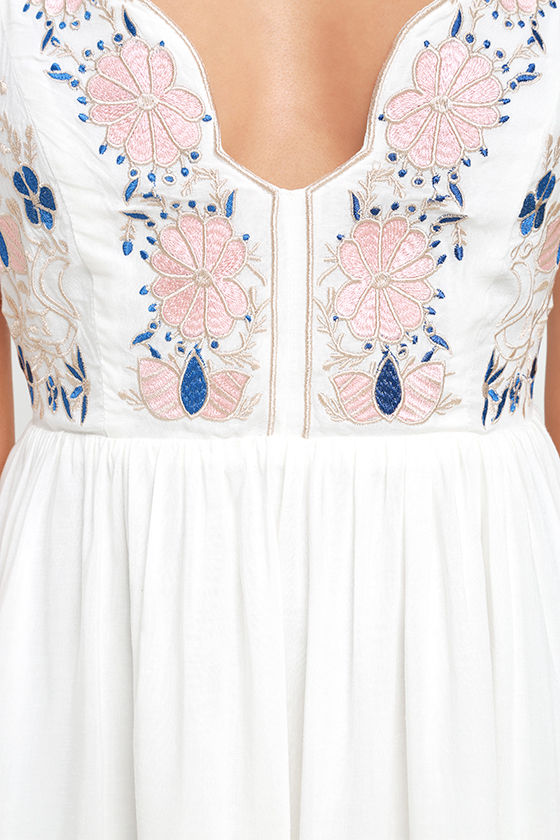 Daisy Petal Pickin' Ivory Embroidered Dress 6