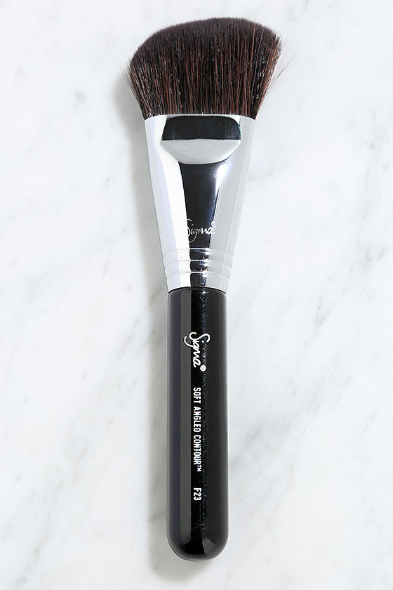 Sigma F23 Soft Angled Contour Brush 1