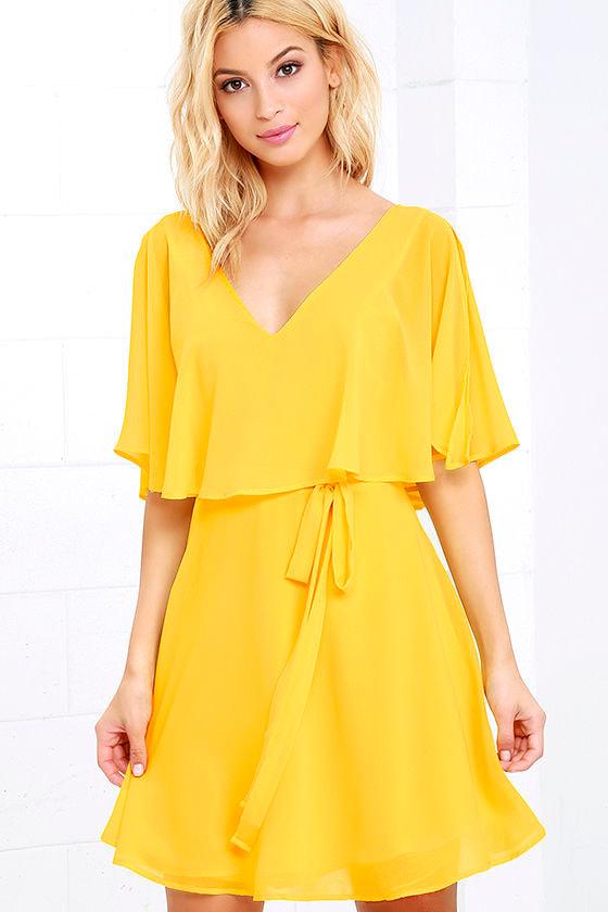 Short white lace summer dress