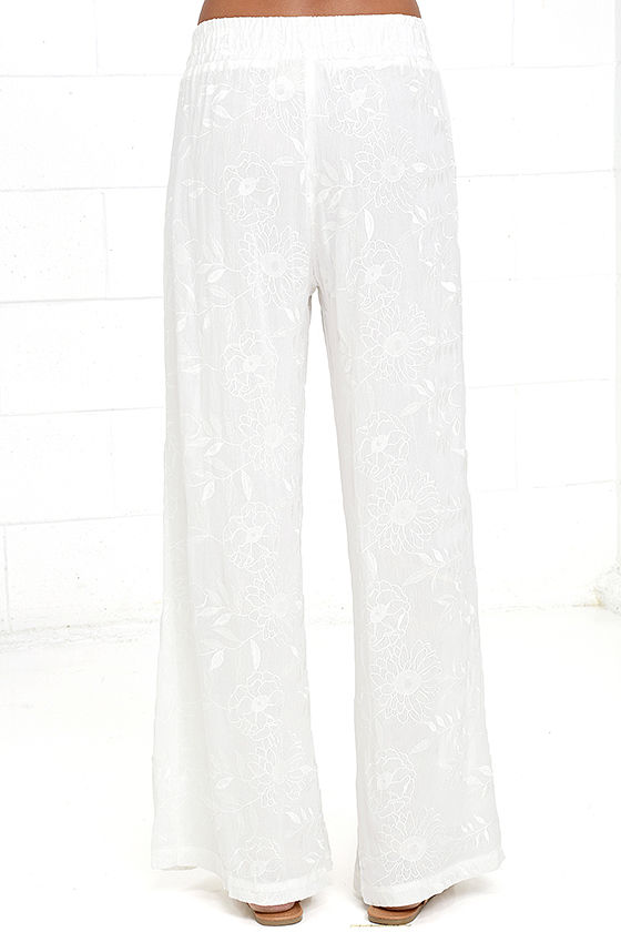 Lucy Love Sun Bum White Embroidered Pants 5