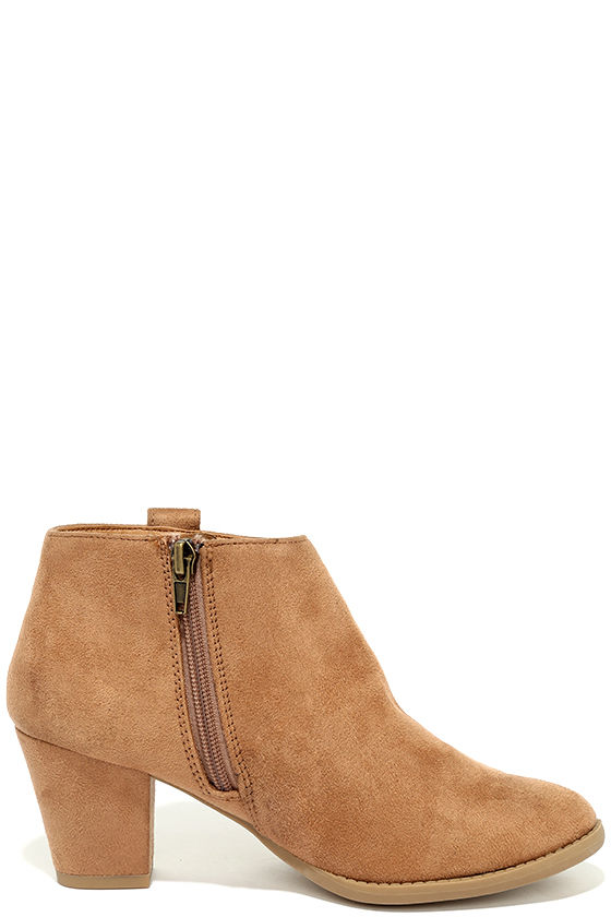 Sidewalk Strut Light Tan Ankle Booties 4