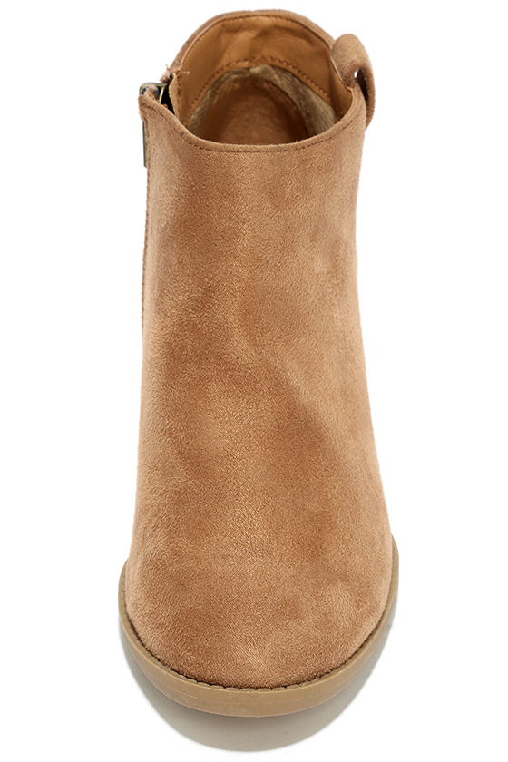 Sidewalk Strut Light Tan Ankle Booties 5