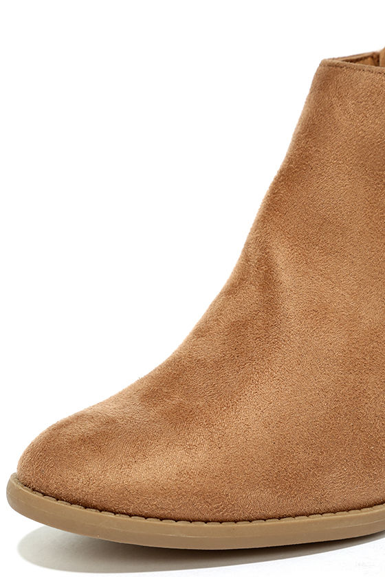 Sidewalk Strut Light Tan Ankle Booties 6