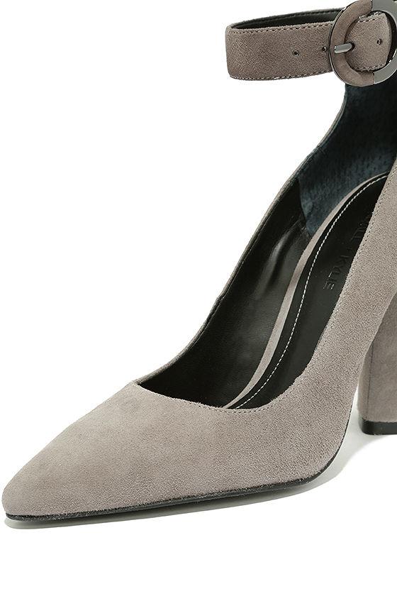 Kendall + Kylie Gloria Light Grey Suede Leather Heels 6