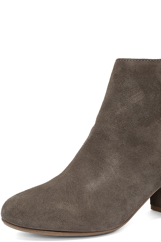 Steve Madden Holster Grey Suede Leather Ankle Booties 6