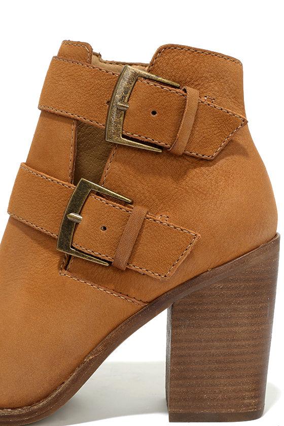 Steve Madden Trevur Cognac Leather High Heel Booties 7