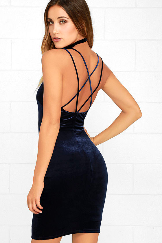 Wow-Worthy Navy Blue Velvet Bodycon Dress 1
