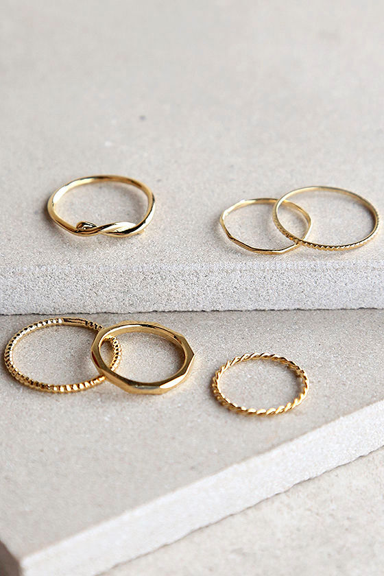 Stunning Set Gold Ring Set 1