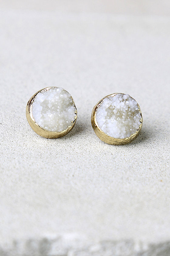 Dream Walking Gold and Ivory Earrings 1