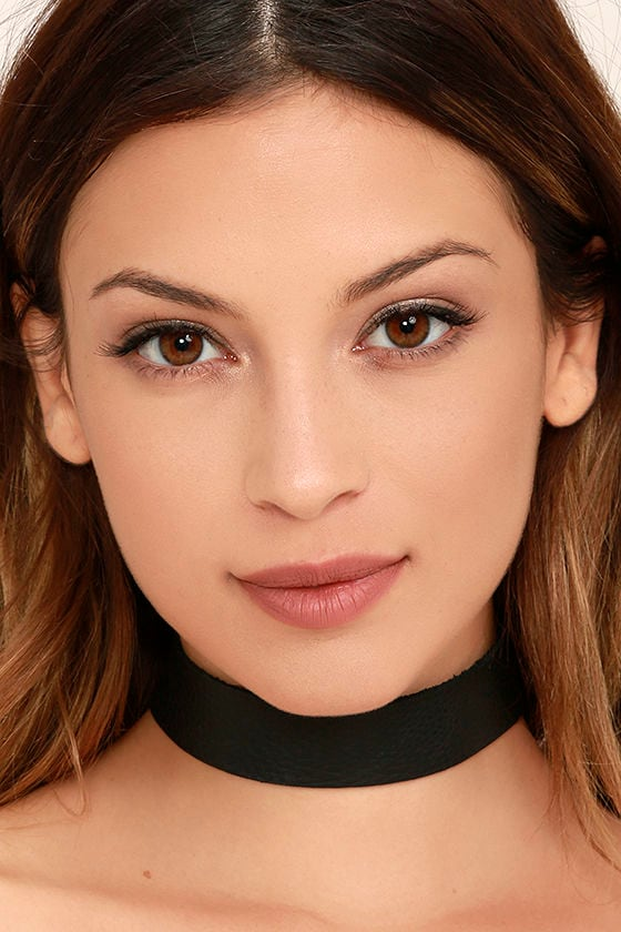 Vanessa Mooney Lucy Black Leather Choker Necklace 1