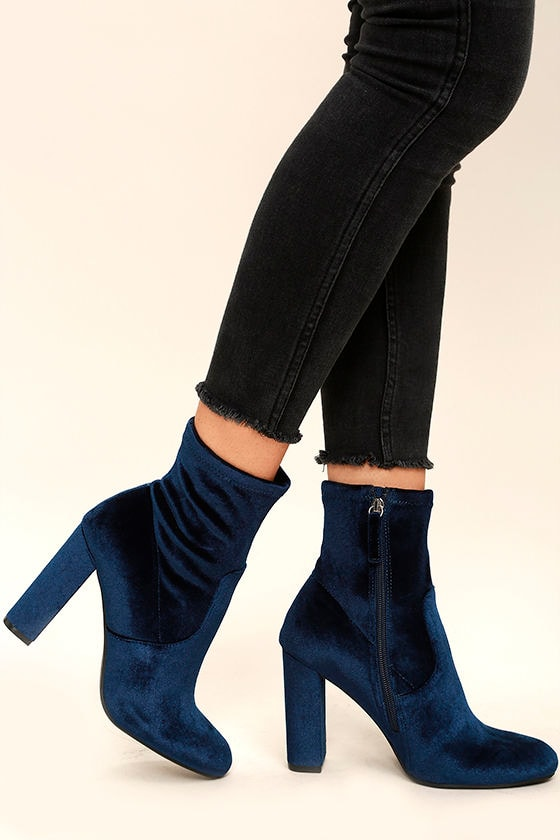 Steve Madden Edit Navy Blue Velvet Booties