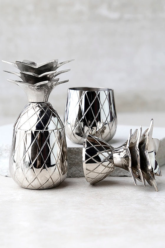 The Pineapple Co. Silver Pineapple Shot Glass Set 1
