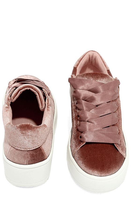 Steve Madden Bertie-V Blush Velvet Sneakers 3