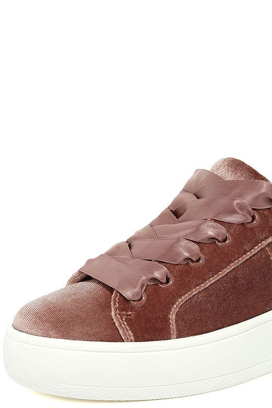 Steve Madden Bertie-V Blush Velvet Sneakers 6