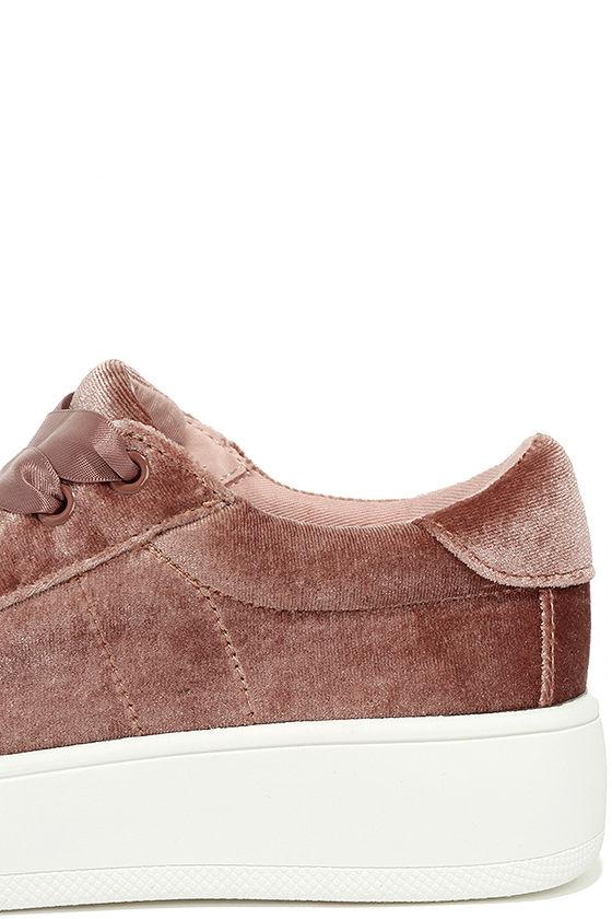Steve Madden Bertie-V Blush Velvet Sneakers 7