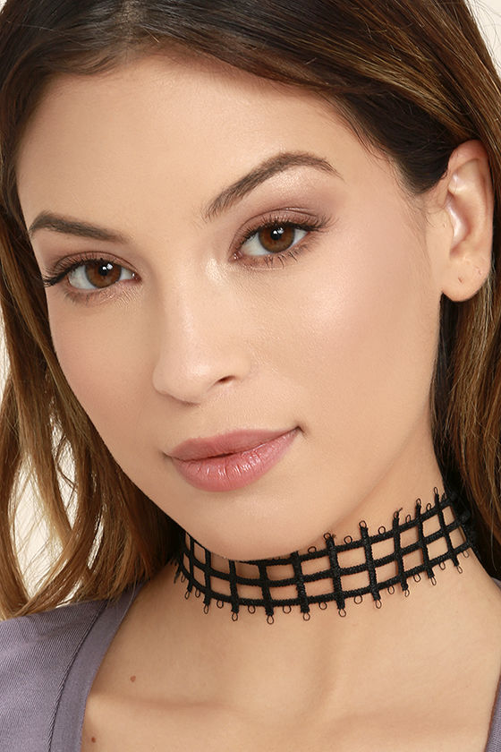 Gridlock and Key Black Choker Necklace 1