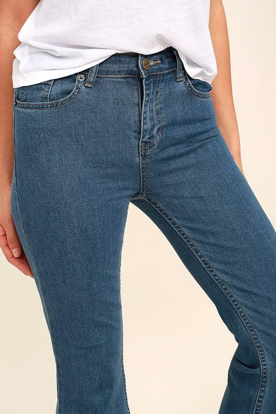 Amuse Society Coastline Medium Wash Cropped Flare Jeans 5