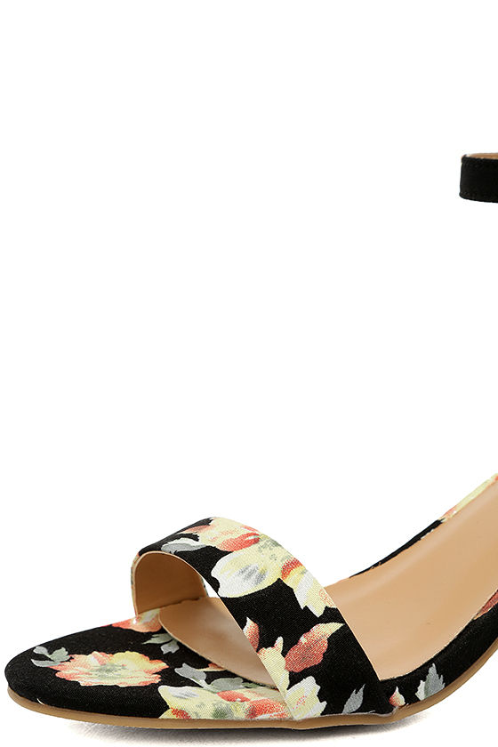 Ft. Lauderdale Black Multi Ankle Strap Heels 6