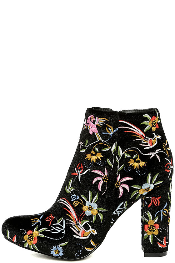 Quetzal Black Velvet Embroidered Ankle Booties 1