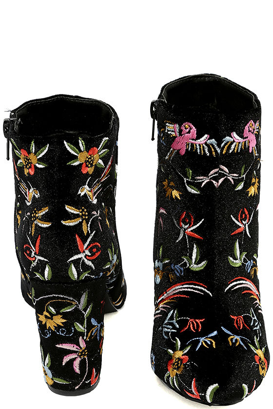 Quetzal Black Velvet Embroidered Ankle Booties 3