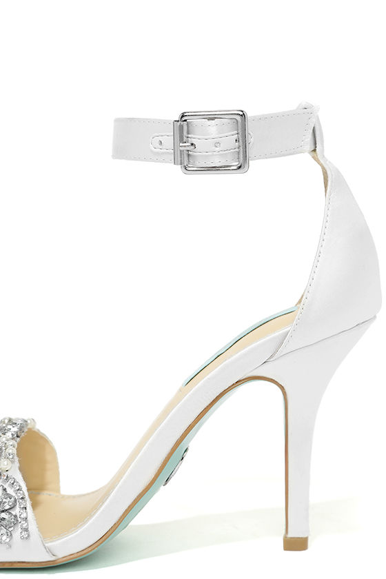 Blue by Betsey Johnson Gina Ivory Satin Ankle Strap Heels 7