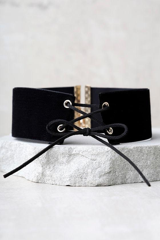 Often Black Velvet Lace-Up Choker 2