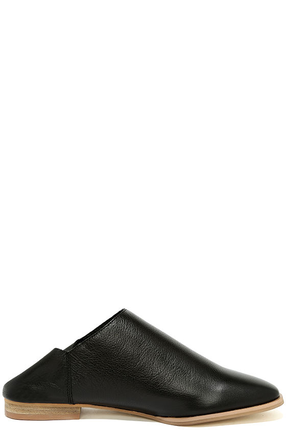 Chinese Laundry Owen Black Leather Mules 5