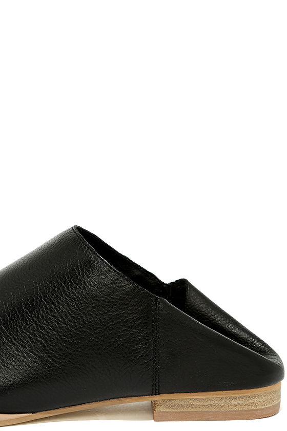 Chinese Laundry Owen Black Leather Mules 8