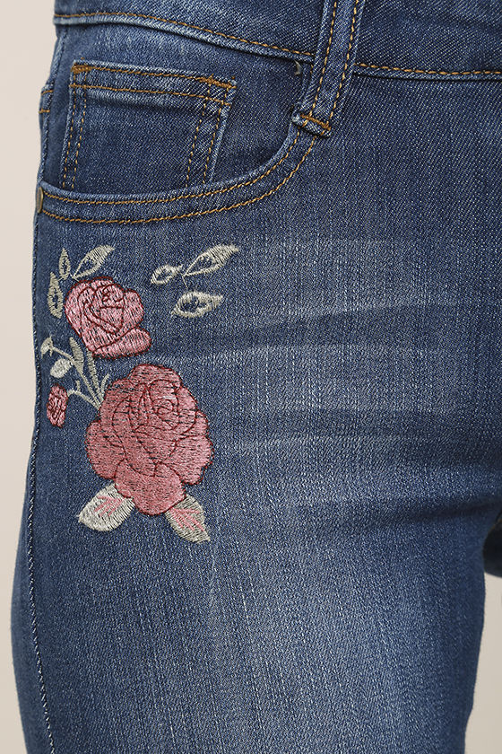 Flower Child Medium Wash Embroidered Distressed Skinny Jeans 6