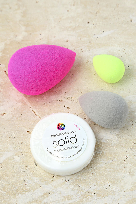 Beautyblender All.About.Face Makeup Sponge and Cleanser Kit 1
