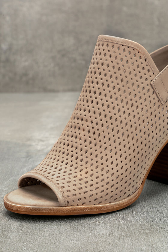 Steve Madden Neptune Ice Taupe Nubuck Leather Cutout Booties 6