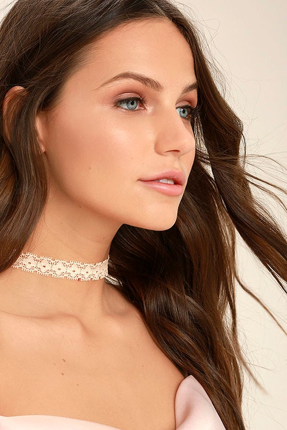 For Posh Sake Peach Lace Choker Necklace 1