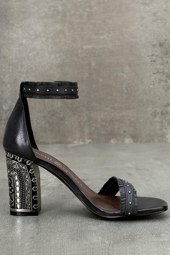 Chinese Laundry Santa Anita Black Leather Ankle Strap Heels 4