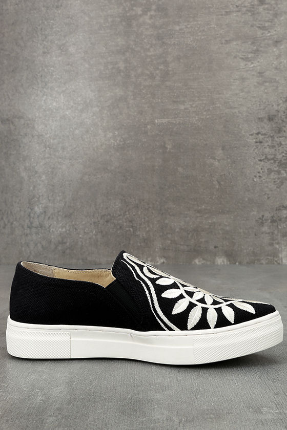 Seychelles Sunshine Black Canvas Embroidered Slip-On Sneakers 4