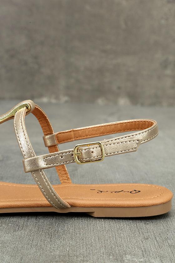 Cameron Gold Distressed Flat Sandals 7