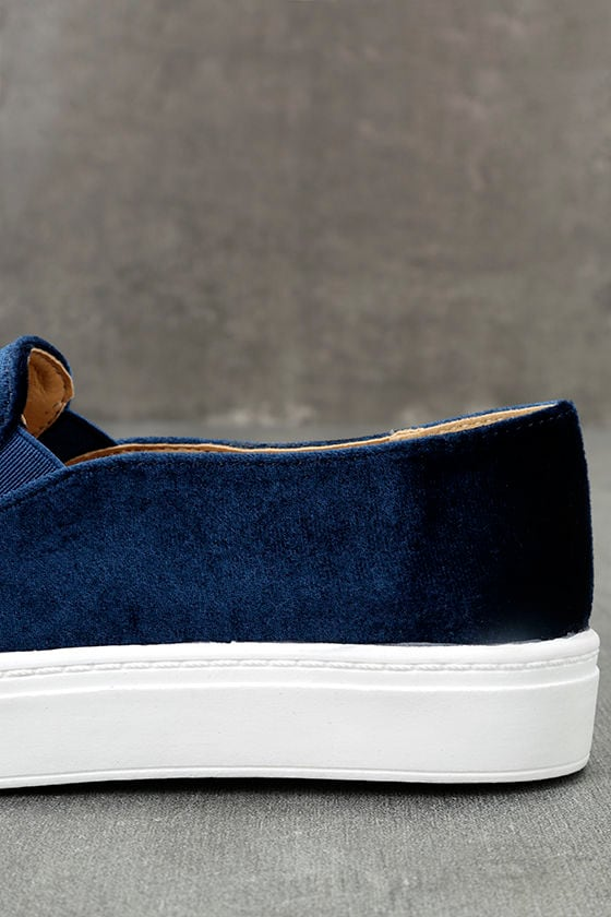 Dirty Laundry Jiana Blue Velvet Embroidered Slip-On Sneakers 7