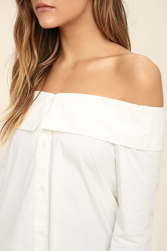 Chelsea Off-White Off-the-Shoulder Long Sleeve Top 5