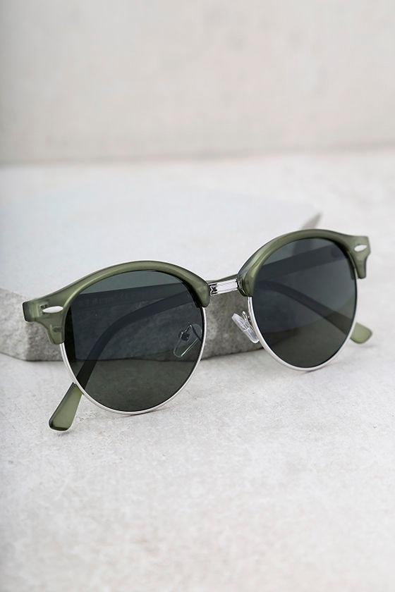 Digging It Matte Olive Green Sunglasses 2