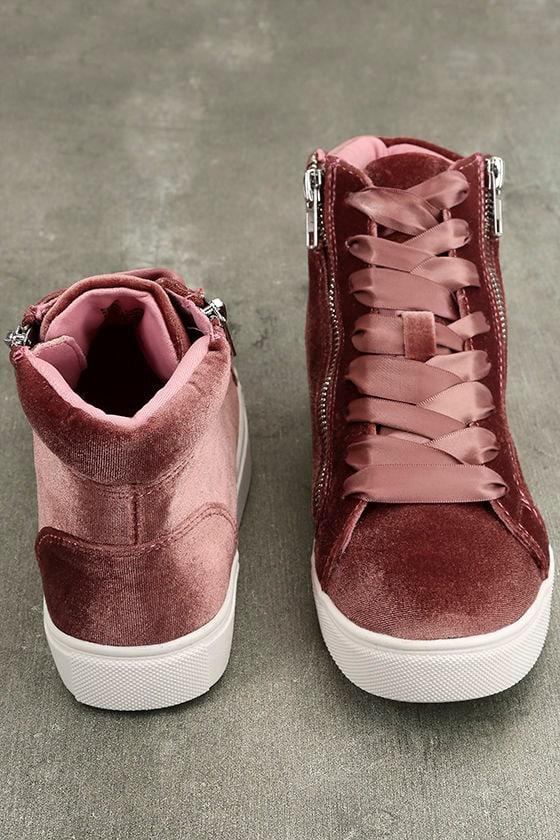 Madden Girl Eppic Blush Velvet High-Top Sneakers 3