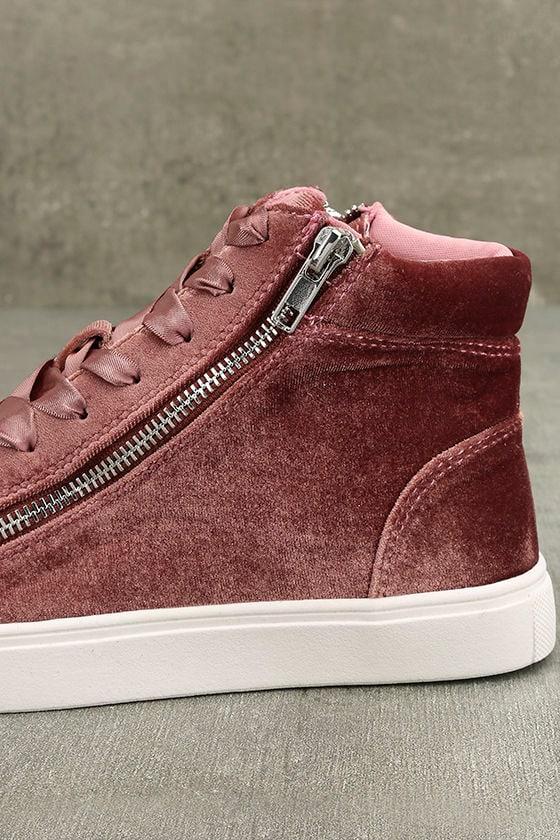 Madden Girl Eppic Blush Velvet High-Top Sneakers 7