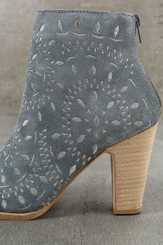 Matisse Springfield Dusty Blue Embroidered Suede Leather Booties 7