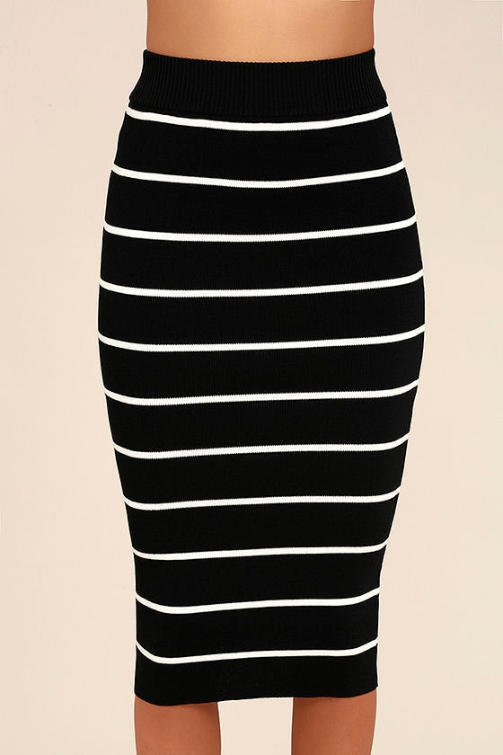 Adaptable Black and White Striped Pencil Skirt 5