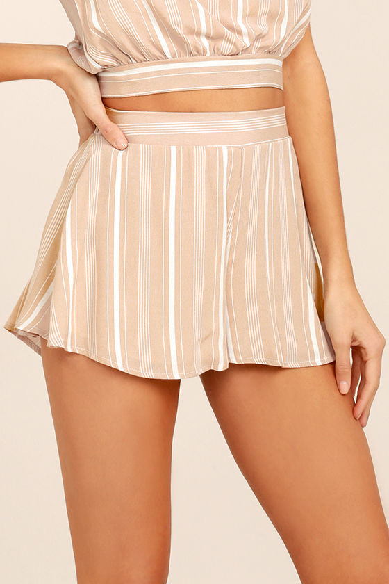 Irreplaceable Beige Striped Shorts 1