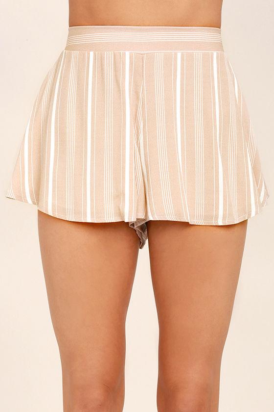 Irreplaceable Beige Striped Shorts 4